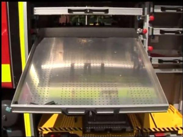 Slide & Tilt Set c/w Light Weight Front Locking Handle: Non Corrosive